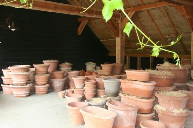 Terracotta potten van Poggi Ugo
